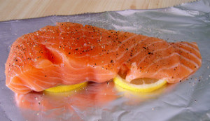 How to Grill a Salmon Fillet in Foil
